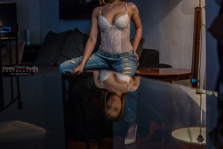 best-photographer-glamour-boudoir-and-nud-london